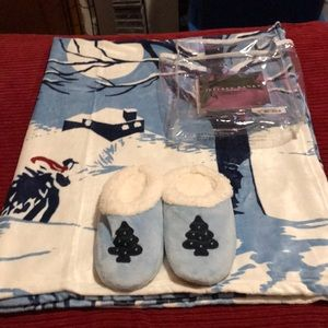 New Jeffrey Banks throw/ slipper set